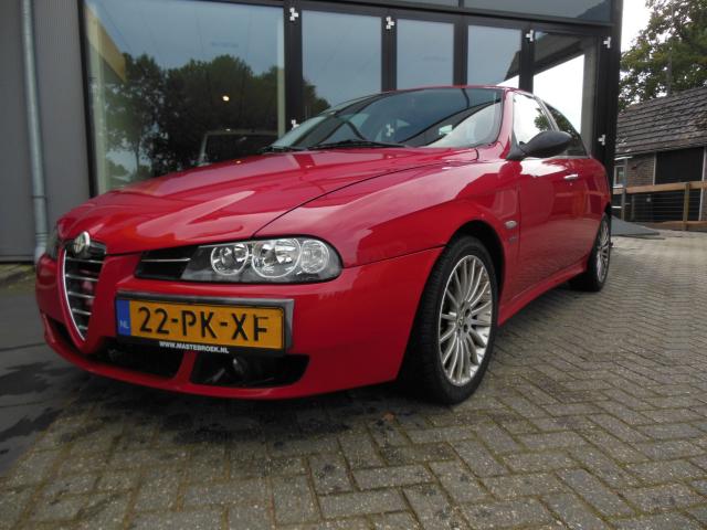 Alfa Romeo-156