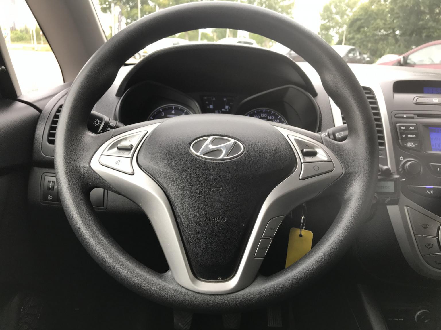 Hyundai-ix20-5