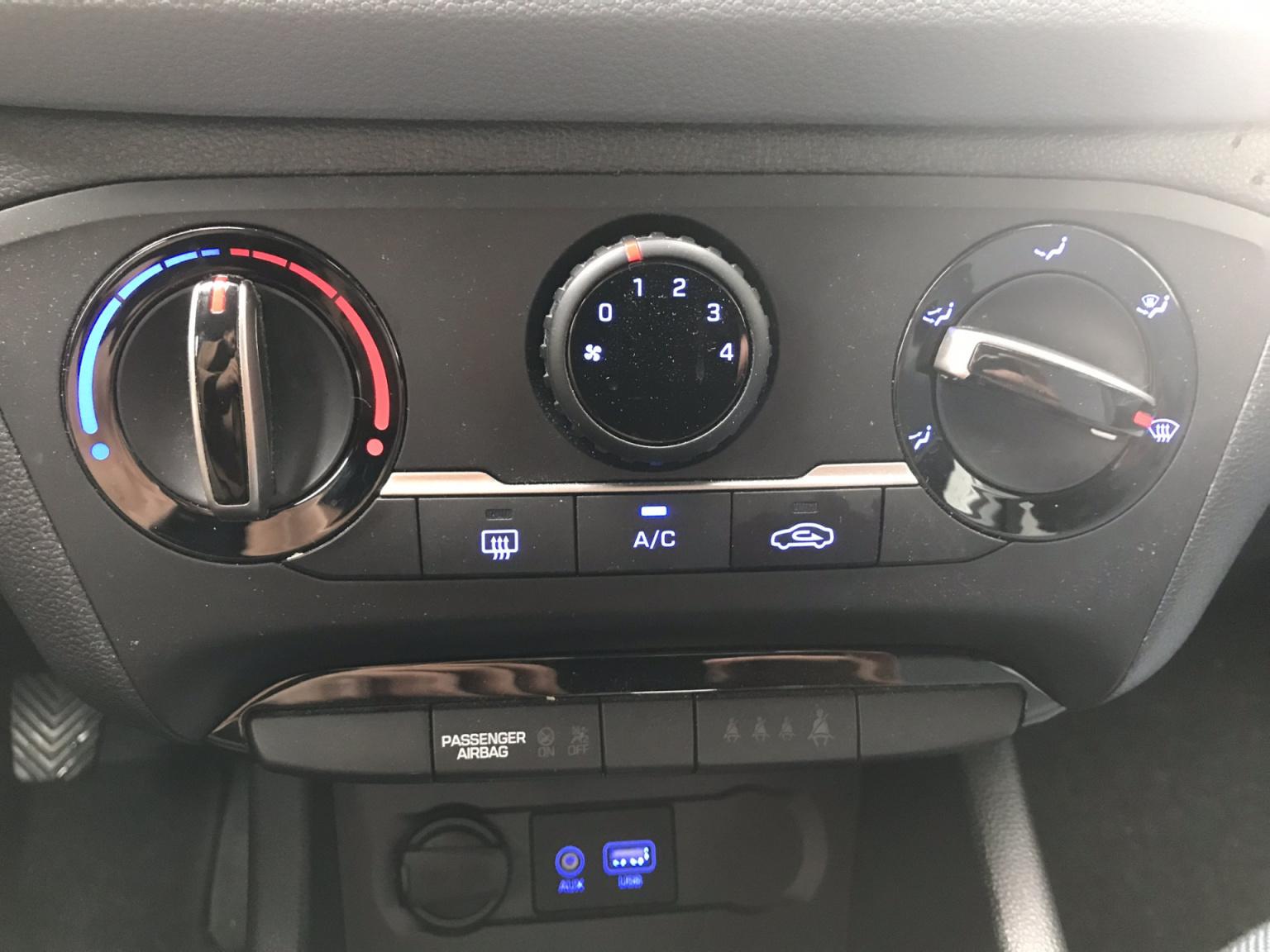 Hyundai-i20-11
