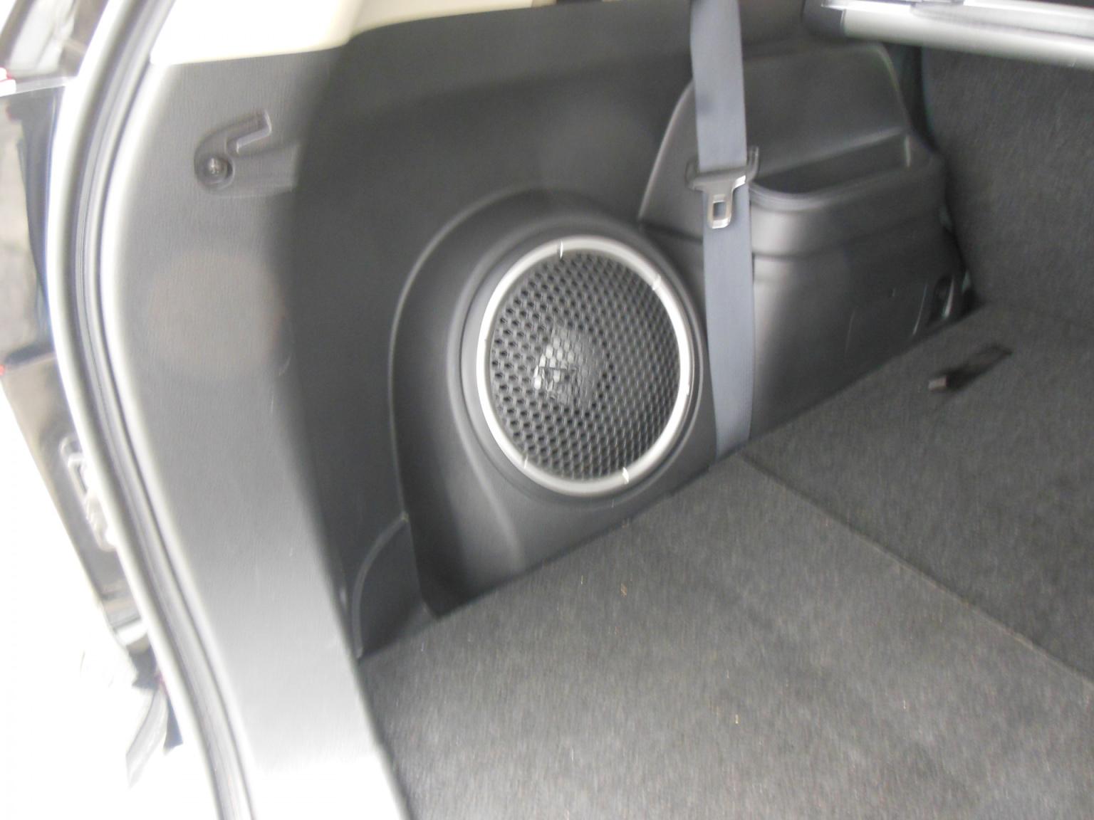 Mitsubishi-Outlander-15